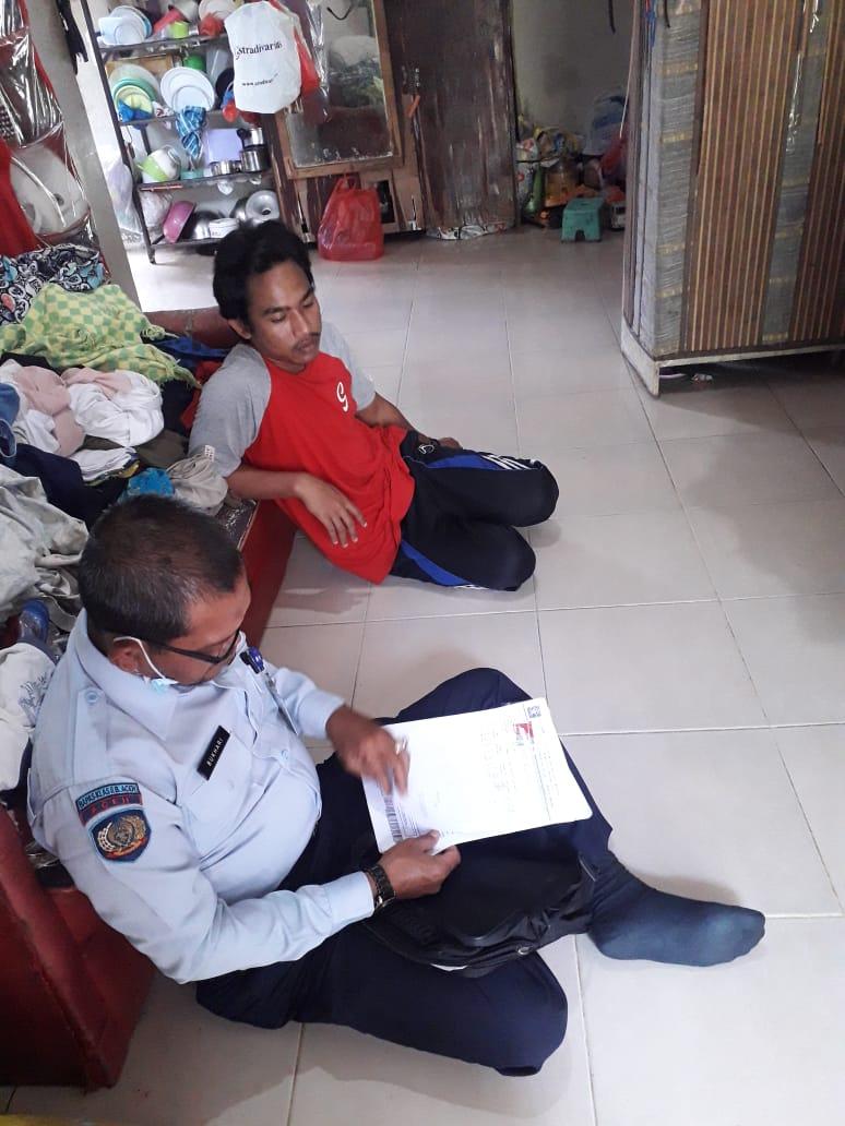 Petugas Bapas Kelas II memberi pelayanan ke rumah klien pemasyarakatan di kawasan Aceh Utara